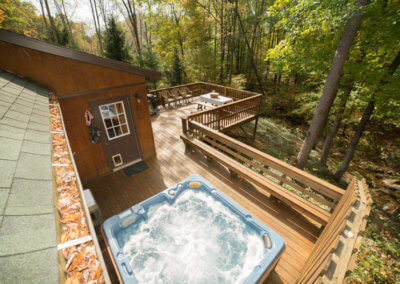 Cougar Cabin Porch with Hot Tub