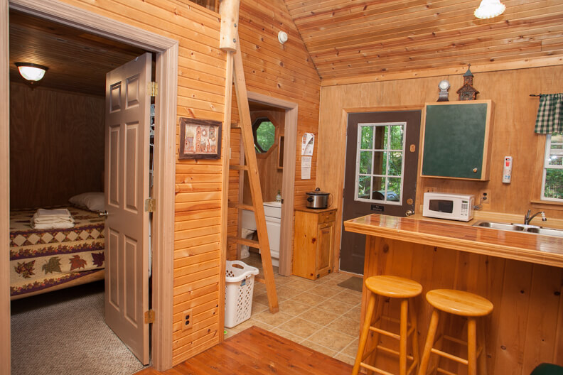 Cabin Rentals in West Virginia | Maple Tree Cabin Rental