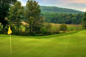 West Virginia Vacation Rentals | Breathtaking Scenery on a Gold Course
