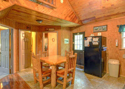 Black Bear Cabin Dining