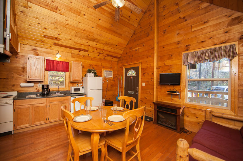 Cabin Rentals in West Virginia | Bobcat Cabin Rental