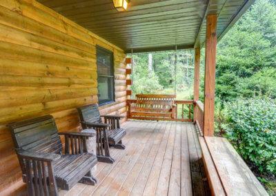 Cougar Cabin - Deck