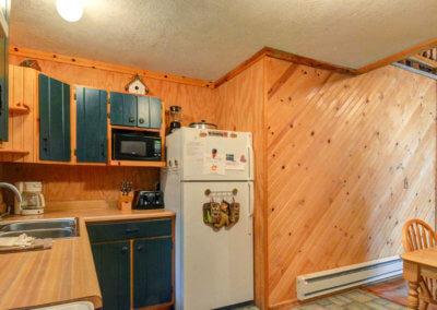 Cougar Cabin - Kitchen