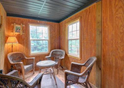 Cougar Cabin - Sitting Area
