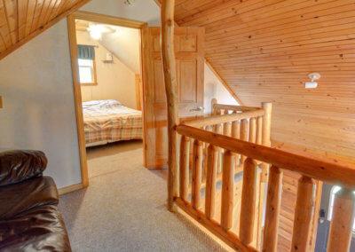 Cougar Cabin - Loft