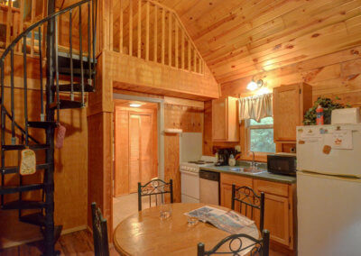 Shawnee Cabin - Dining and Kitchen