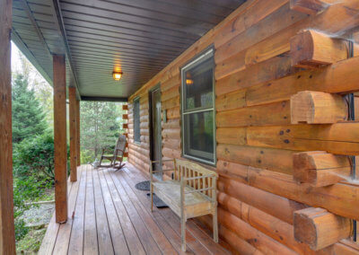 White Tail Cabin - Front Porch